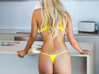 Topless Claracumplay